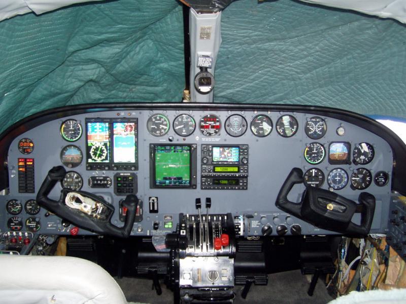 Cessna 414A with Aspen E2000C3 & GTN-750